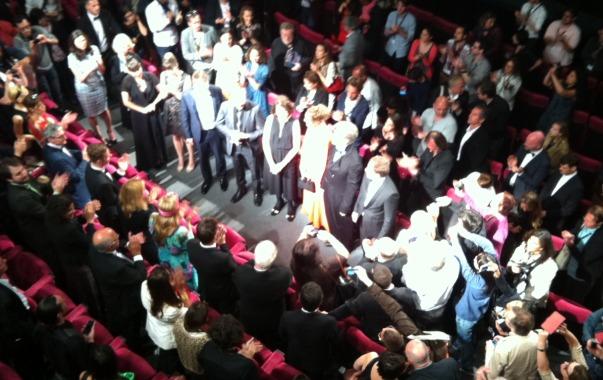 Standing ovation pour l'équipe du film Le sel de la terre